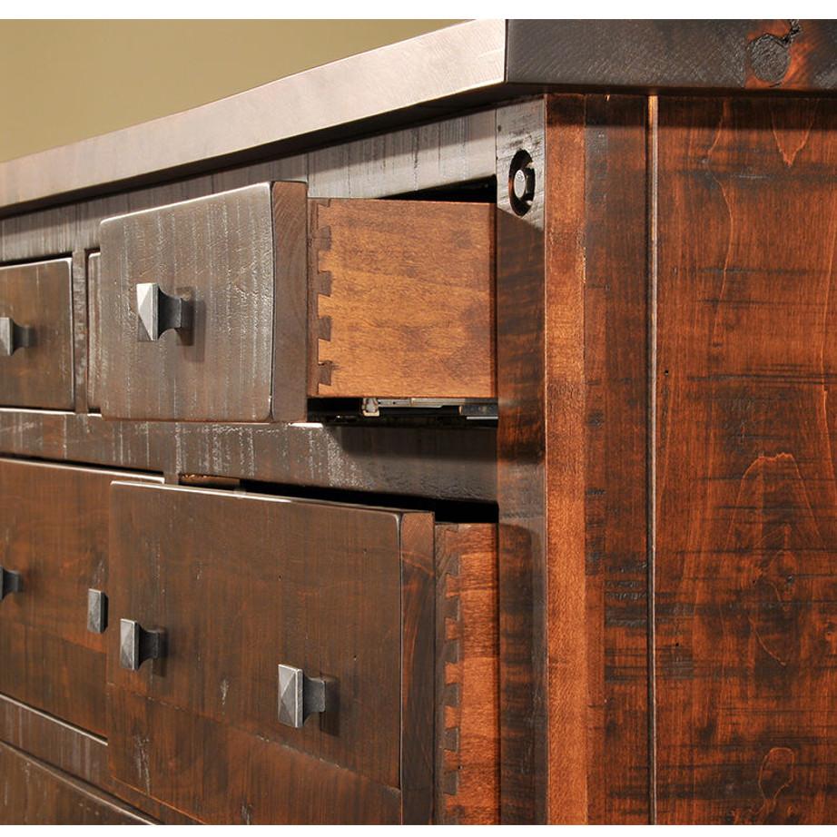 solid wood bedroom furniture, rustic wood bedroom furniture, canadian made bedroom furniture, ruff sawn bedroom furniture, custom bedroom furniture, muskoka detail